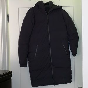 lululemon black parka
